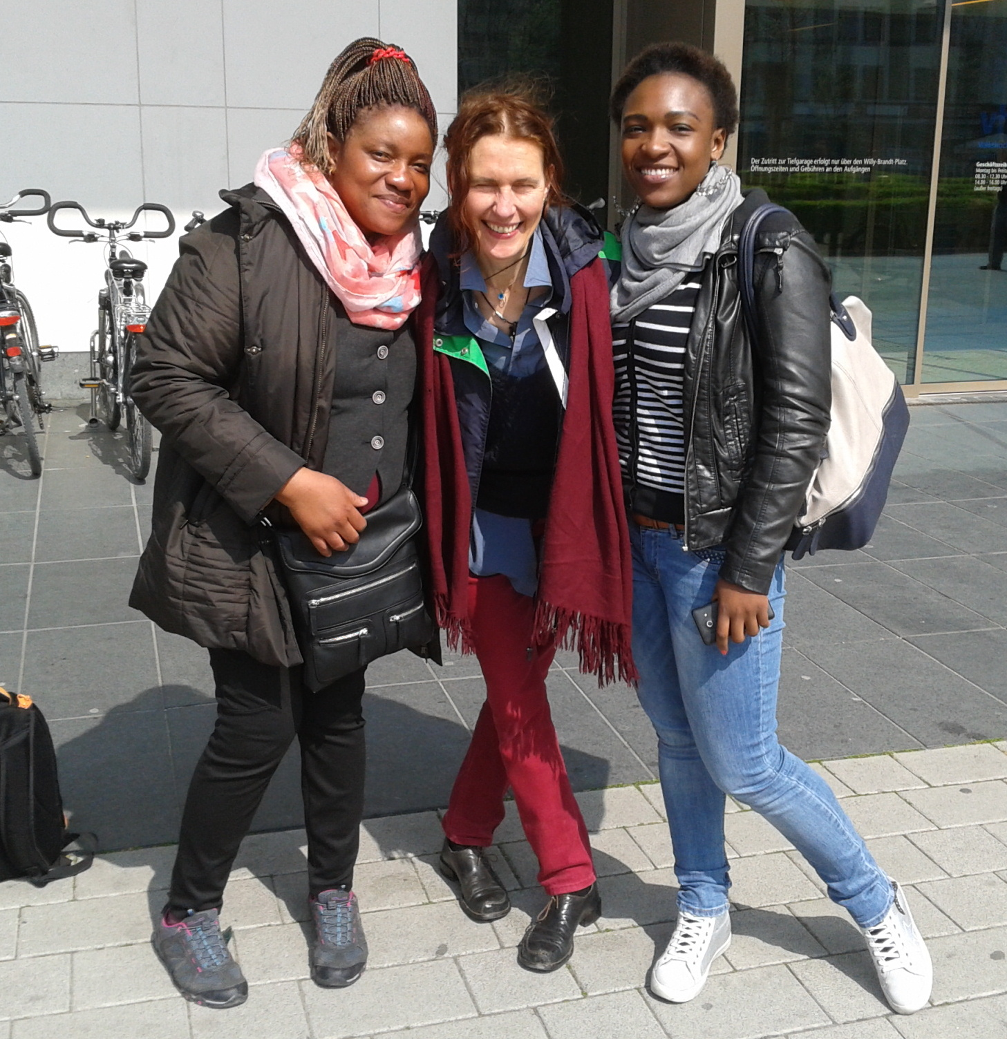 Afrika Women's Forum Podcast 1 (English Breakfast)   Radio Papesse